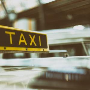 A Brief Note on the Advantages of Hiring Taxi Services to the Tourists