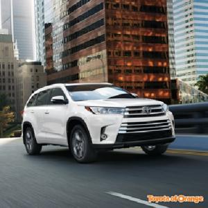 Everybody Is Yearning For The 2019 Toyota Highlander Hybrid At Tustin Toyota Service