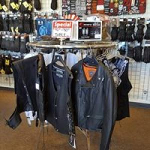Few Factors to Consider While Selecting Mens Motorcycle Jackets!